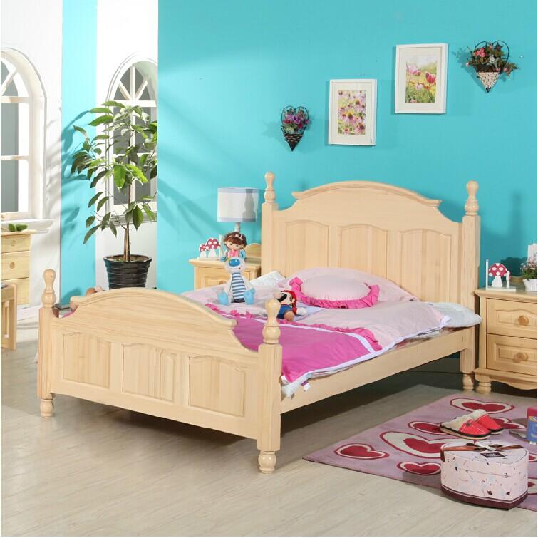 Деревянная кровать в комнату девочки