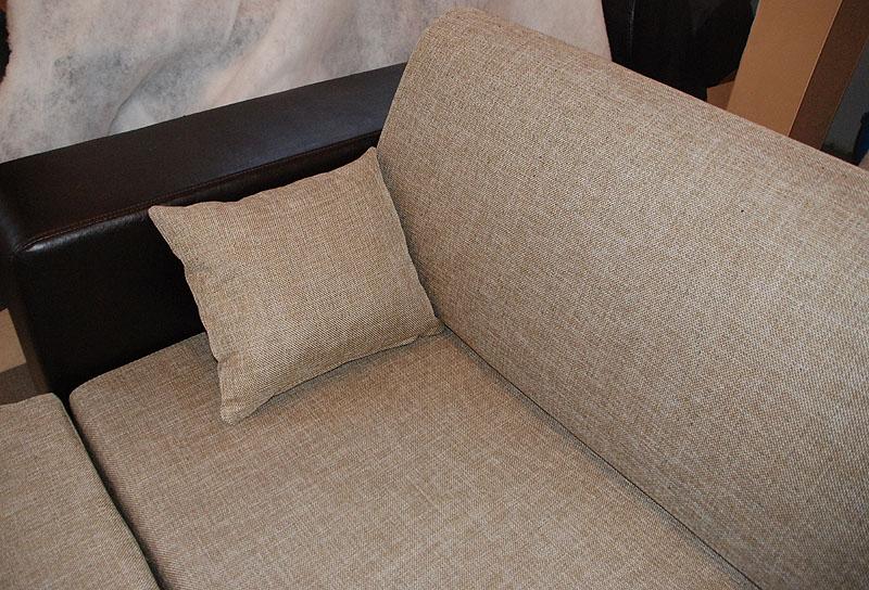 Диван кровать с обивкой рогожка