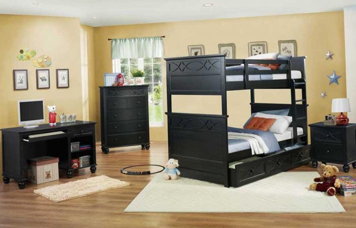 Двухъярусная кровать для детей разного пола и возраста