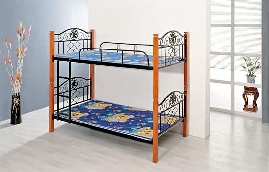 Двухъярусная кровать для детей с бортиками из металла