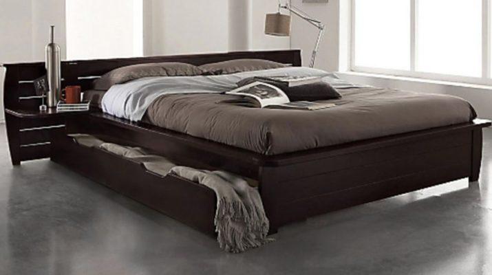 Двуспальная кровать для взрослых