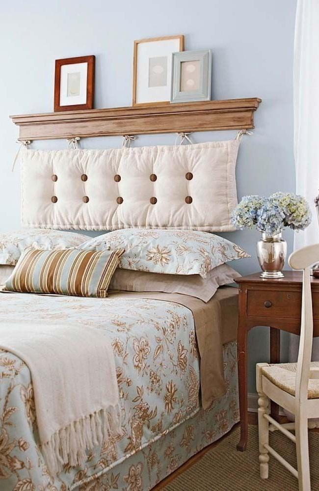 Двуспальная кровать с навесным изголовьем