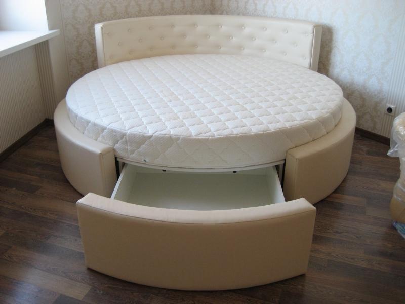 Двуспальная круглая кровать с ящиками