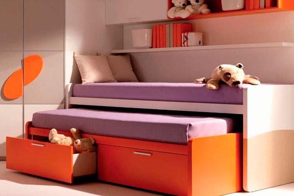 Кому подойдет выдвижная кровать для двух детей