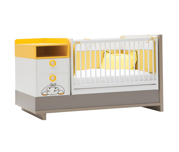 Красивая кровать для новорожденных