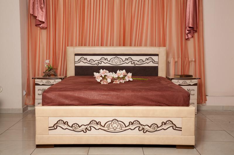 Красивая кровать для взрослых