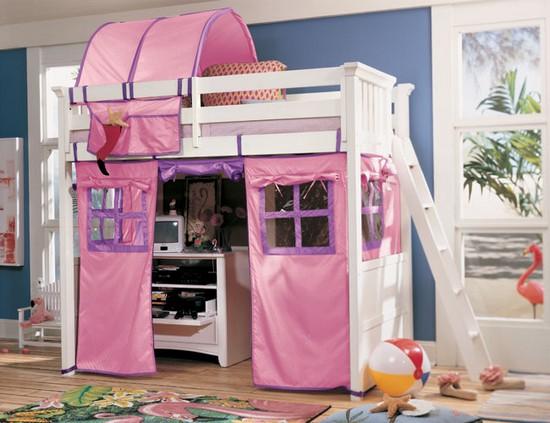 Кровать чердак с игровой и рабочей зоной для девочки