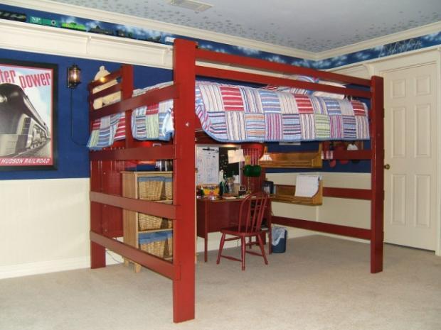 Кровать чердак со свободным местом внизу
