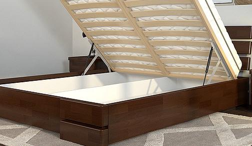Кровать деревянная двуспальная