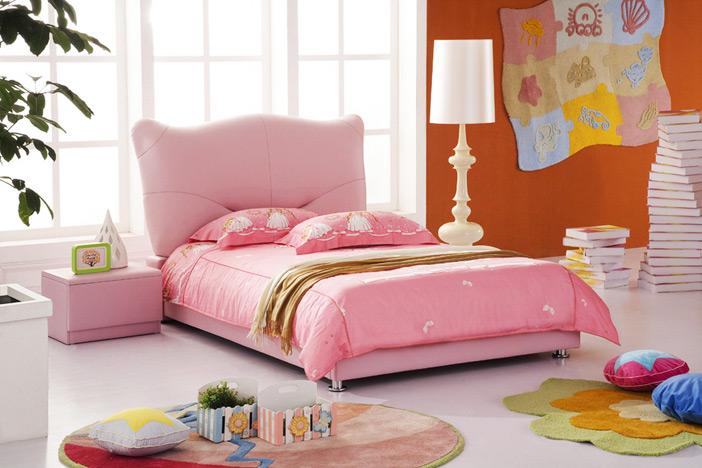 Кровать для девочки с мягким изголовьем