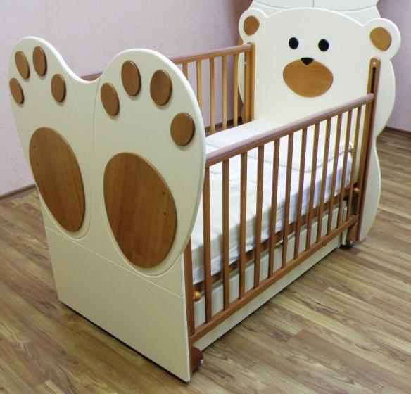 Кровать для новорожденного из ДСП