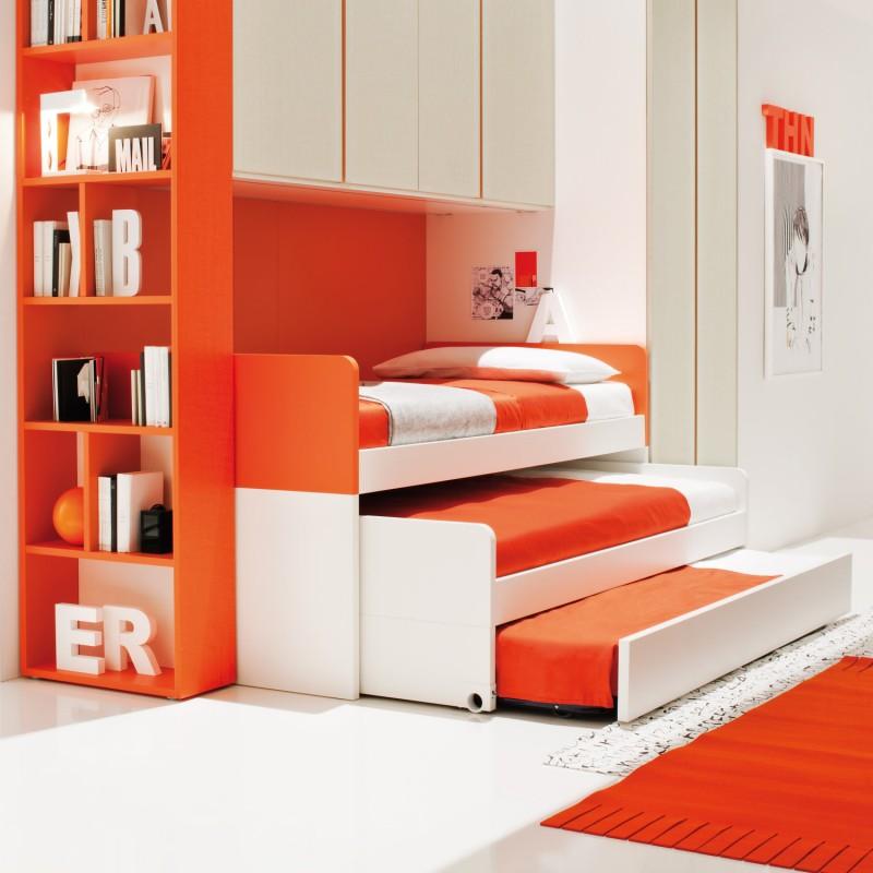 Кровать для троих детей с двумя выкатными частями