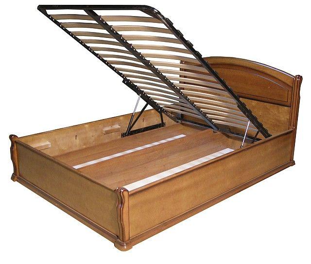 Кровать из массива дерева с подъемным механизмом