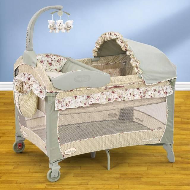 Кровать манеж с имеющимся пеленатором