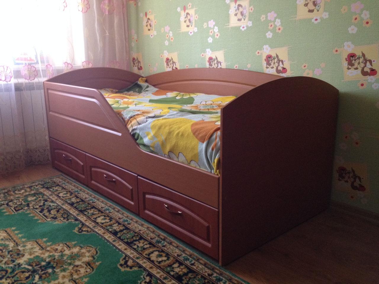 Кровать от 3 лет из МДФ с бортиками