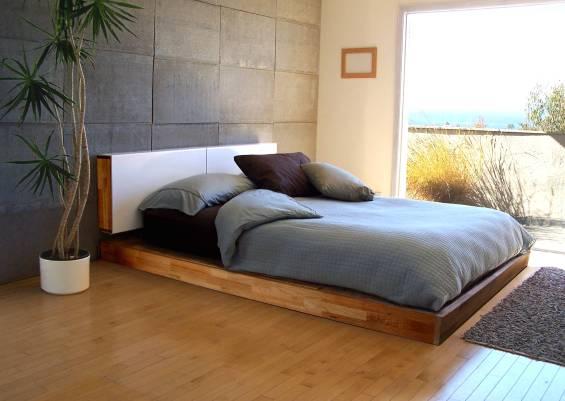 Кровать подиум из натурального дерева