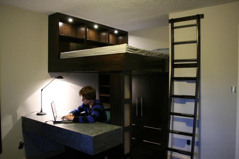 Кровать подиум на втором уровне