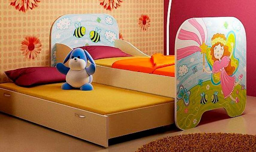Кровать с двумя спальными местами