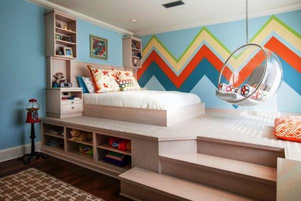 Кровать с подиумом в детской