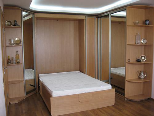 Кровать трансформер со шкафами купе по бокам