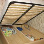 Изготовление кровати с подъемным механизмом своими руками, тонкости процесса