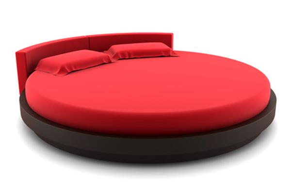Круглая двуспальная кровать