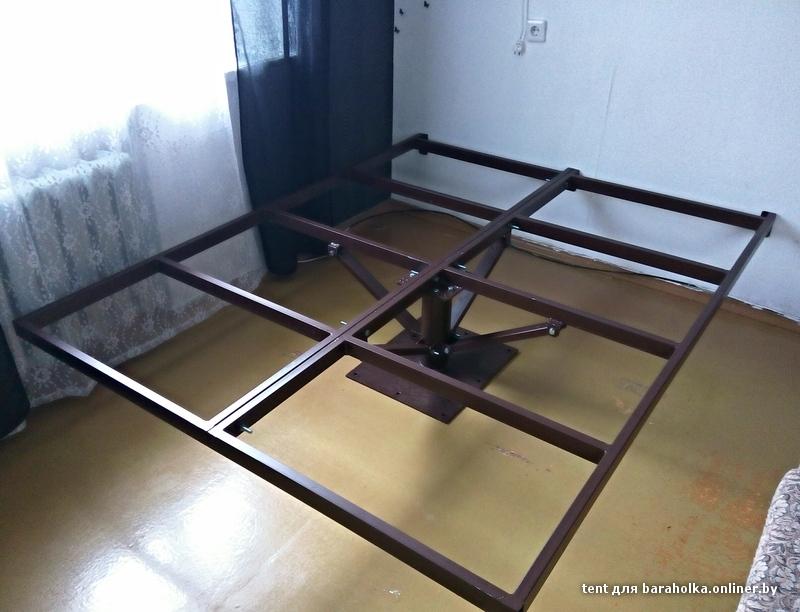 Летающая кровать на металлической основе