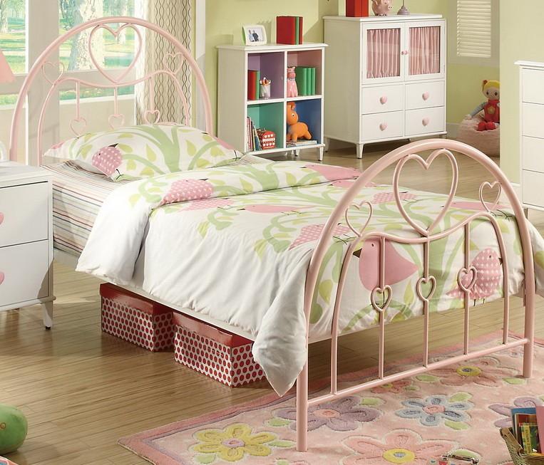 Металлическая кровать для девочки