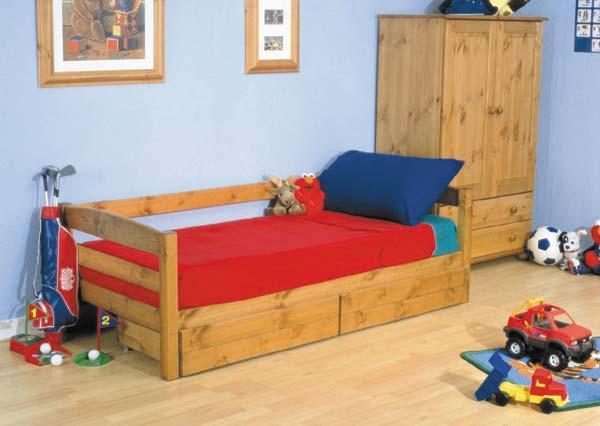 Односпальная детская кровать