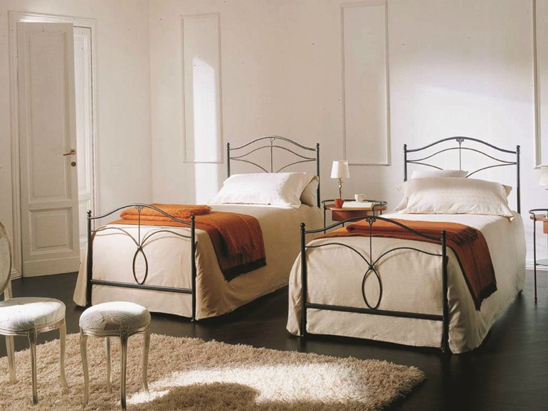 Односпальные кровати простой конструкции