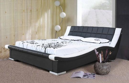 Оригинальная кровать с мягким изголовьем