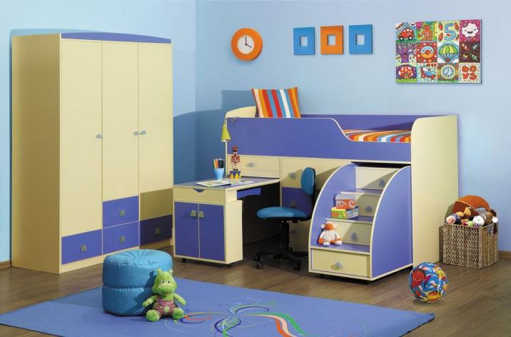 Особенности конструкции кровати чердака