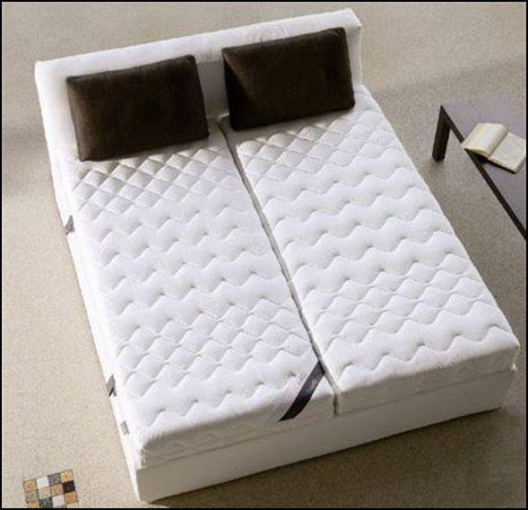 Для двуспальной кровати могут использоваться два матраса