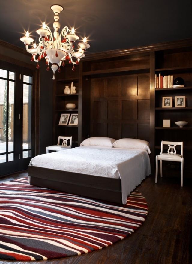 Откидная кровать может хорошо вписаться в любой интерьер