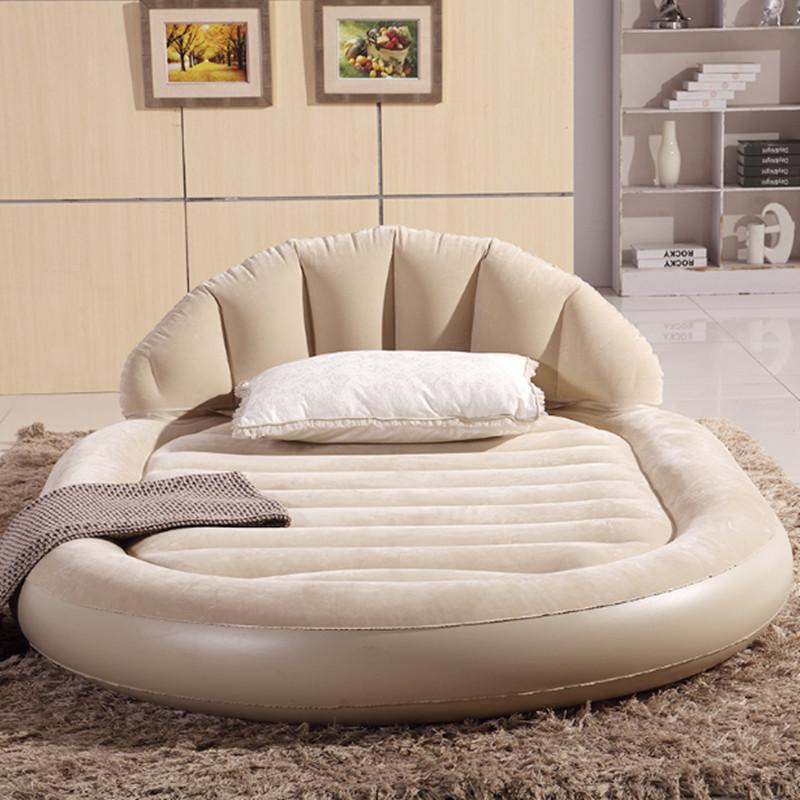 Овальная двуспальная кровать
