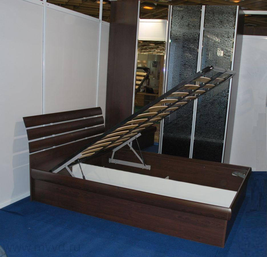 Подъемная двуспальная кровать с ящиками