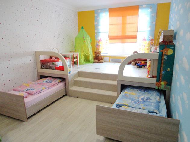 Подиум – стильное решение для маленькой комнаты