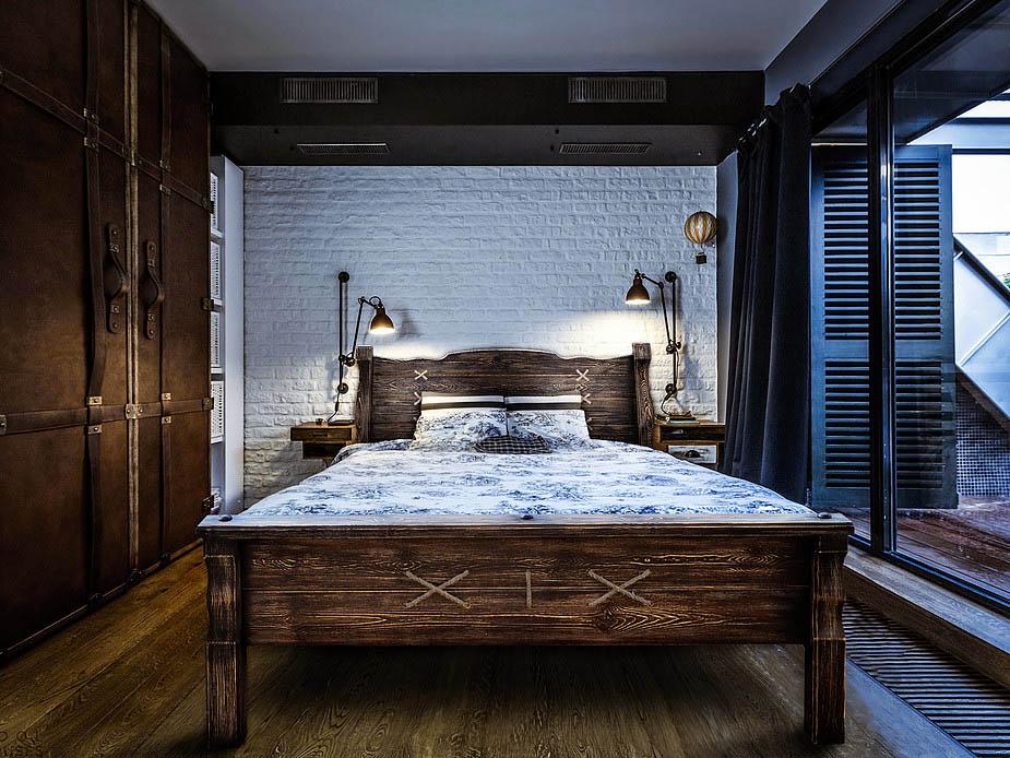 Сосновая двуспальная кровать