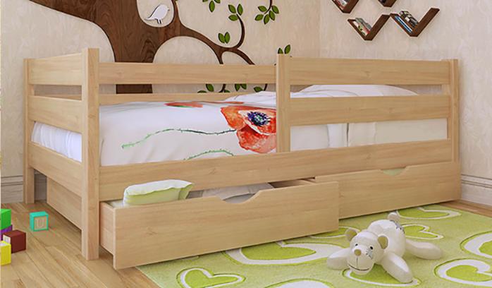 Светлая детская кровать