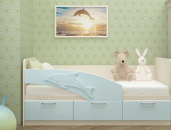 Цвет кровати может сочетаться с цветом обоев