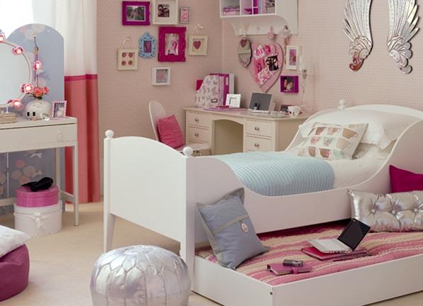 Удобная кровать для девочки подростка