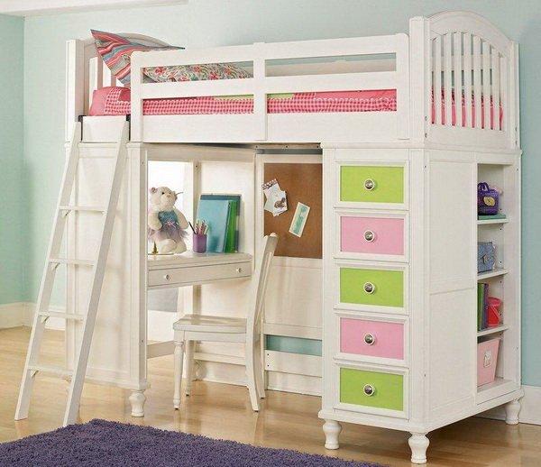 В случае если такая кровать предназначена для одного ребенка, она носит название – кровать чердак
