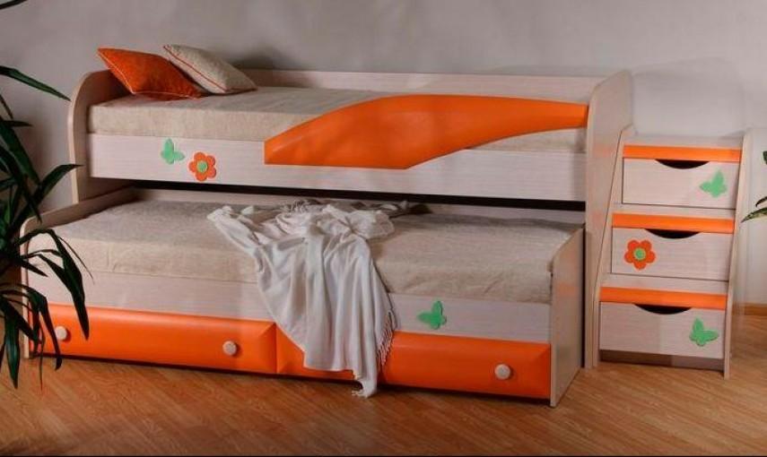 Выкатная кровать со скрепленными ярусами