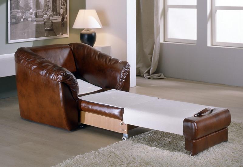 Выкатное кожаное кресло кровать