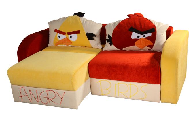 Яркий диван кровать