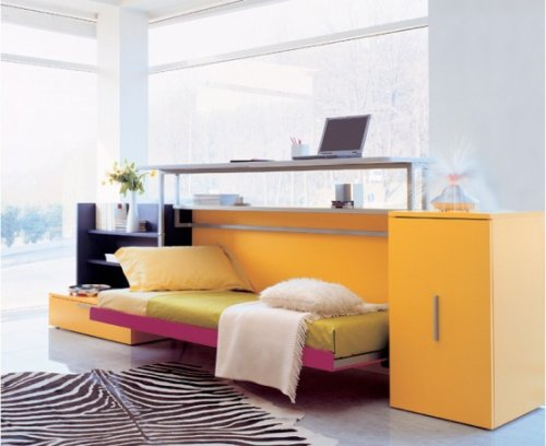 Яркий стол кровать трансформер