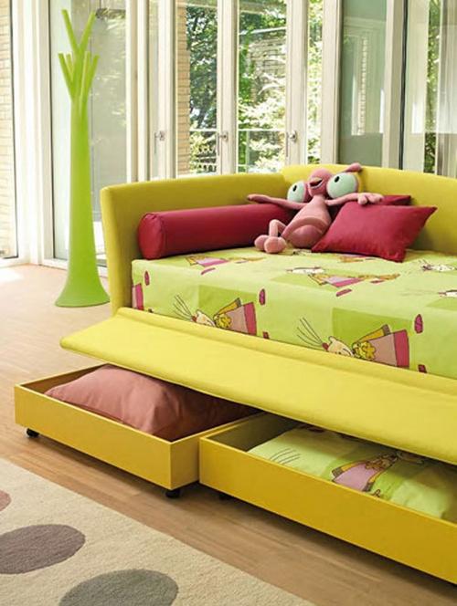 Ящики для хранения в диване кровати