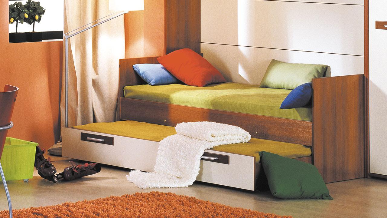 Выкатная кровать в спальню