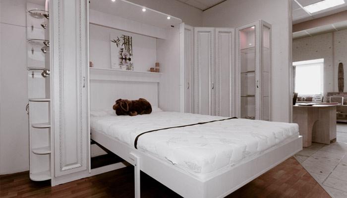 Удобная кровать для спальни или гостиной
