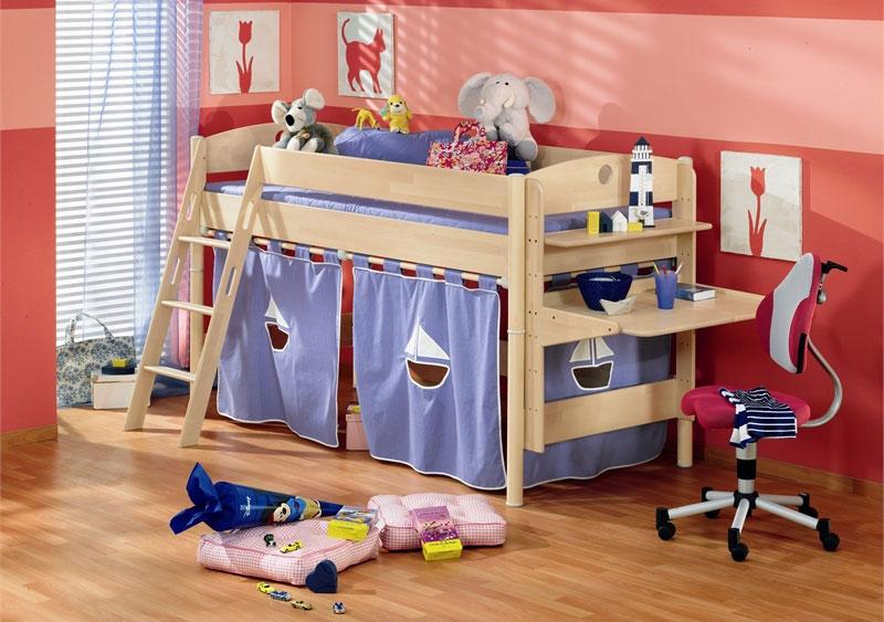 Кровать с домиком для игр